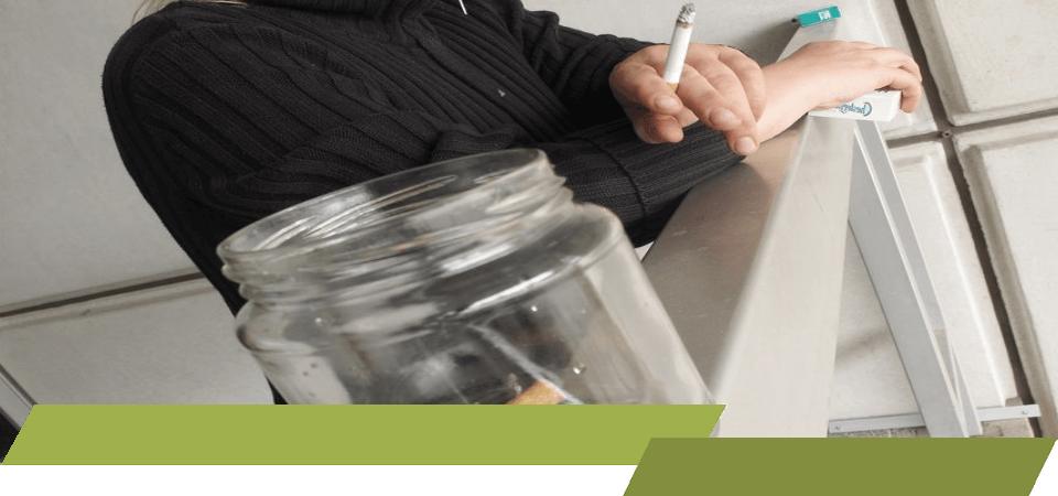 Roken onder werktijd, roken tijdens werk, roken op de werkvloer, rokersverbod op bedrijf, ondernemers verbieden roken tijdens werkuren,